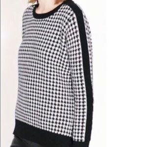Zara Knit Houndstooth Sweater